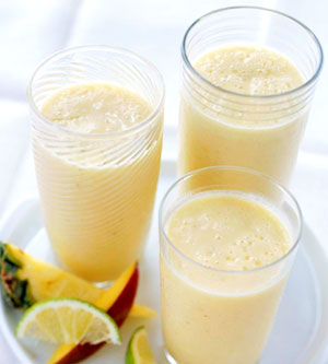 tropical-fruit-smoothies-R088523-ss